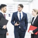 話がつまらない人の共通点と接し方(対処法と話し方の改善策)