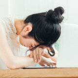気を使いすぎる人をやめたい!気を使いすぎて疲れる場合の2つの改善法